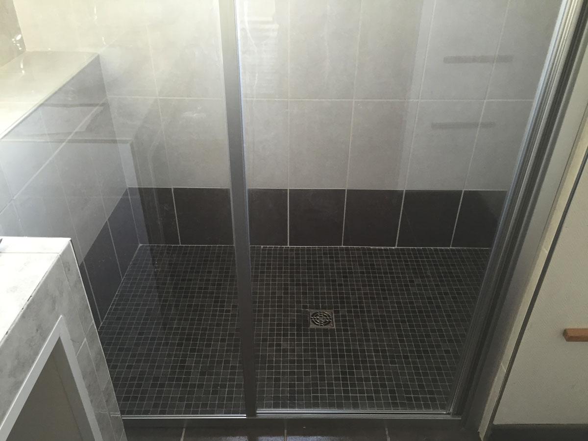Réalisation finale de la douche Italienne par SCL Travaux